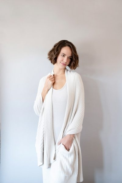 Cozy Chic Travel Shawl with Pockets by Barefoot Dreams